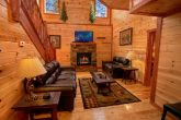 Pigeon Forge Luxurious Cabin with Living Room