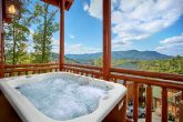 Luxurious Cabin with pool, Game Room & Hot Tub