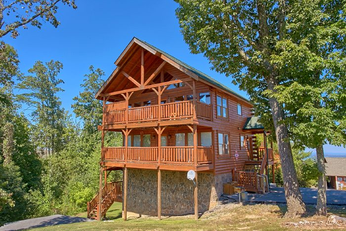 The Summit Cabin Rental Photo