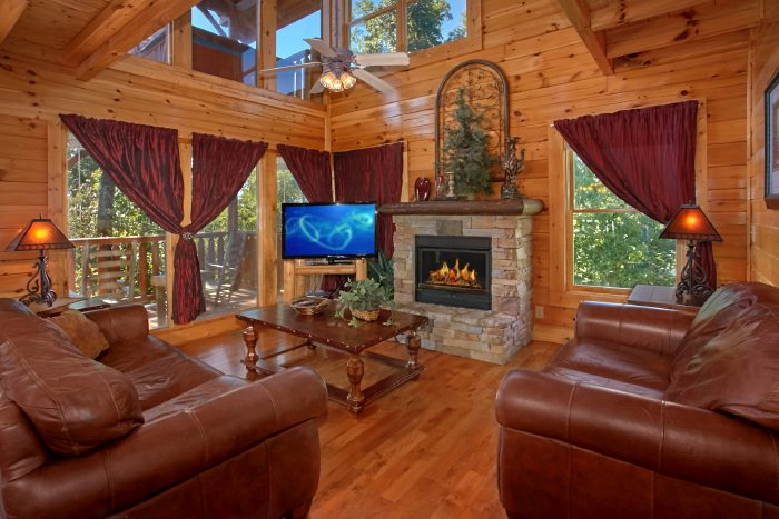 Luxury Cabin with Stone Fireplace and 2 Bedrooms - The Summit