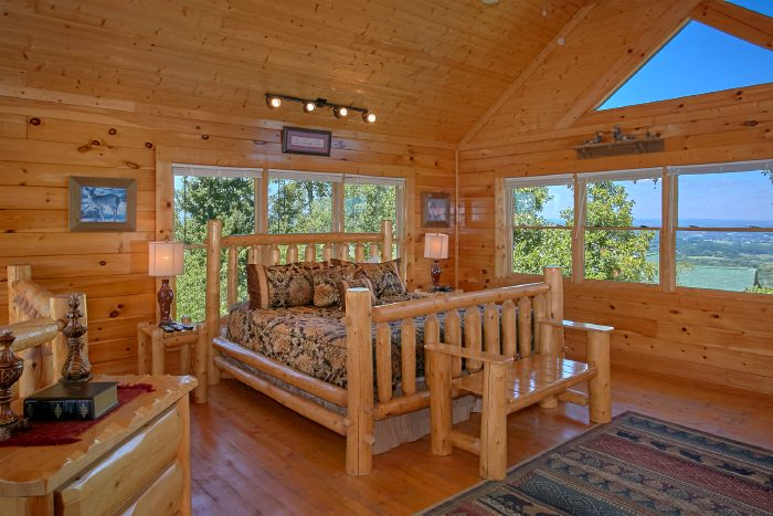 Private Master Suite with King Bed and View - The Summit