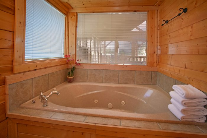 Oversize Jacuzzi Tub in Master Suite - The Summit