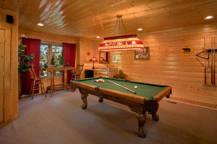 2 Bedroom Cabin with Game Room and Pool Table - The Summit