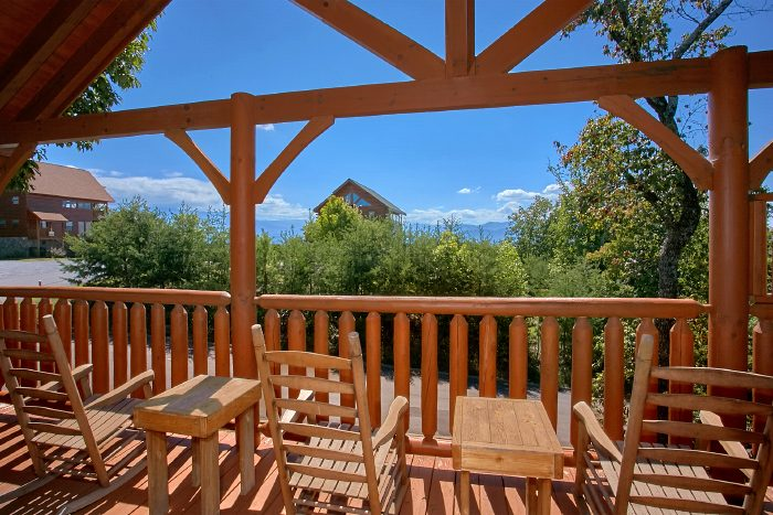Premium Cabin with Views and Rocking Chairs - The Summit