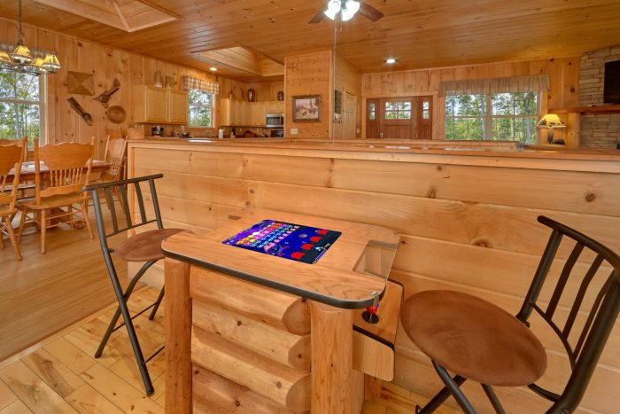 Cabin with Views of the Mountians - TipTop