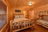 5 Bedroom Cabin with Queen Bunk-Beds