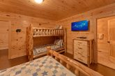 5 Bedroom Cabin with Twin Bunk Beds & Queen Bed
