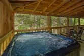 Pigeon Forge Cabin with a Hot Tub