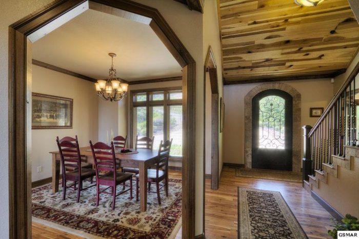 Premium Cabin with 2 Dining Rooms for groups - Villa at Laurel Cove