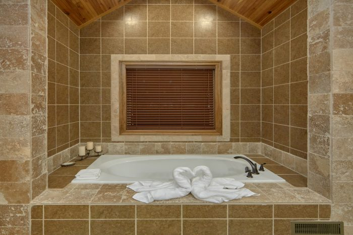 Private Jacuzzi Tub in Master Bathroom - Bluff Mountain Lodge