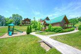 Honey Moon Cabin with Resort Features