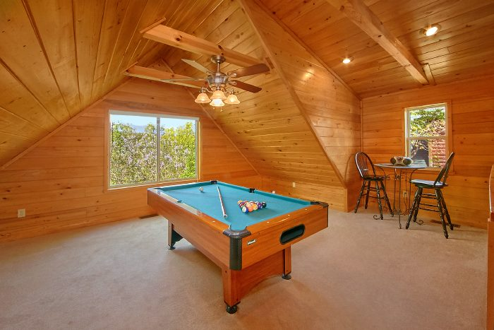 Premium Cabin with Pool Table and Loft - Wild Kingdom