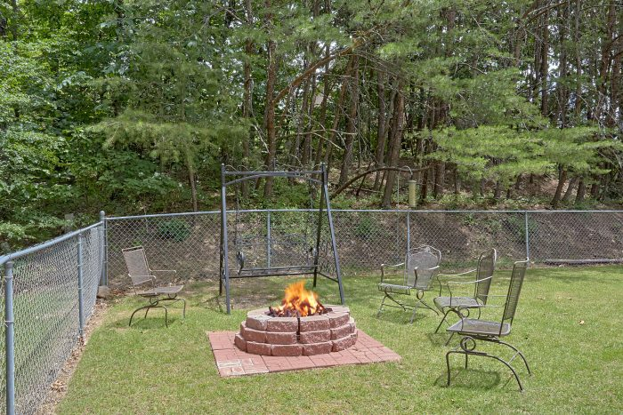 3 Bedroom Chalet with Fire Pit and Hot Tub - Wildcat Ridge