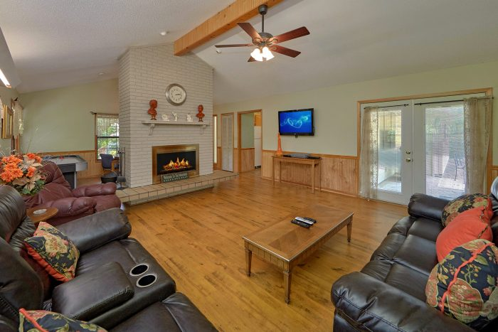 Vacation Home with Fireplace near Dollywood - Wildcat Ridge