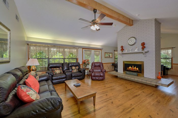3 Bedroom Rental with Recliners and Fireplace - Wildcat Ridge