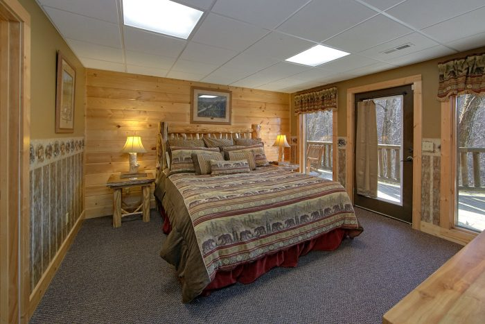 6 Bedroom cabin with 3 Private King Bedrooms - Wilderness Lodge