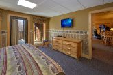 Premium Cabin Rental with 4 King Beds