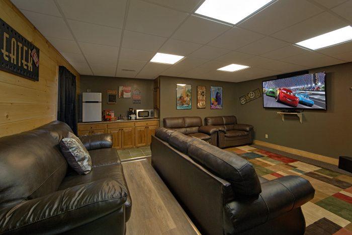 Theater Room in 6 Bedroom Luxury Cabin - Wilderness Lodge