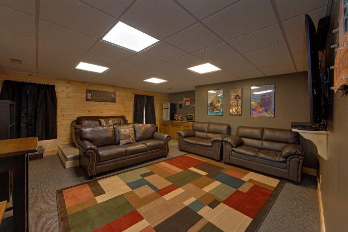 Theater room with Surround Sound & Sleeper Sofa - Wilderness Lodge