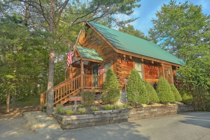 from smoky leconte night view gatlinburg rentals mountain cabin cabins rental wears