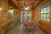 3 Bedroom Cabin Sleeps 10 With Dining Room