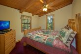 3 Bedroom Cabin with King Beds Sleeps 10